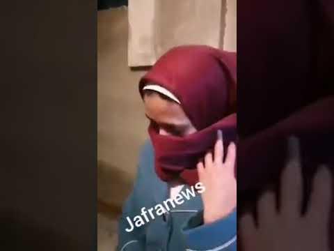 والدة الطفلة نبال تبكي