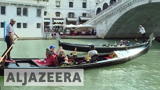 Anti-tourism sentiment grows in overcrowded Venice thumbnail