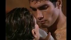 femme mature et jeune homme  scenes d'amour