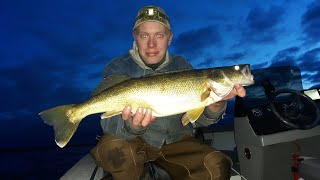 Fall walleye jigging