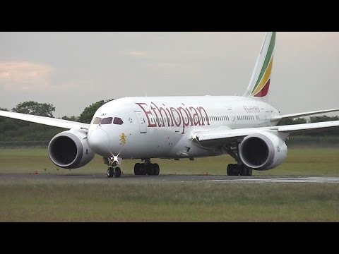 Boeing 787-8 Dreamliner Amazing Take Off