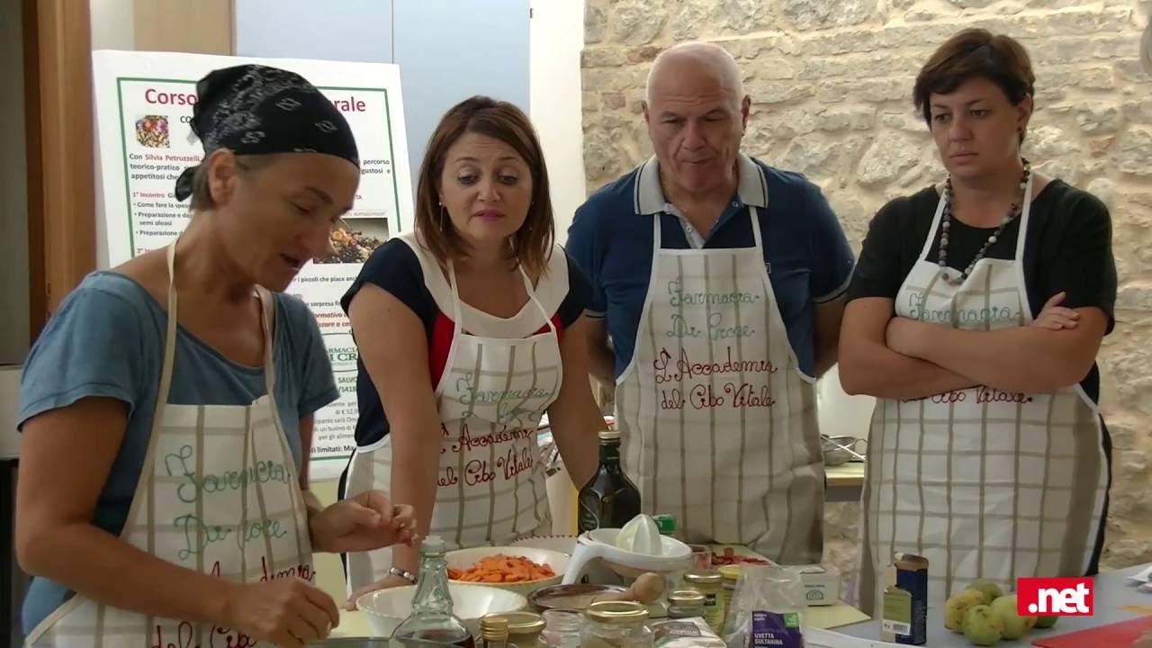 FARMACIA DI CROCE  Corso di cucina naturale con Silvia Petruzzelli  YouTube