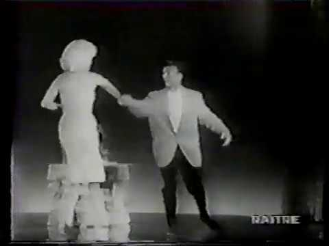 Jayne Mansfield & Mickey Hargitay in a TV Commercial from 1961.