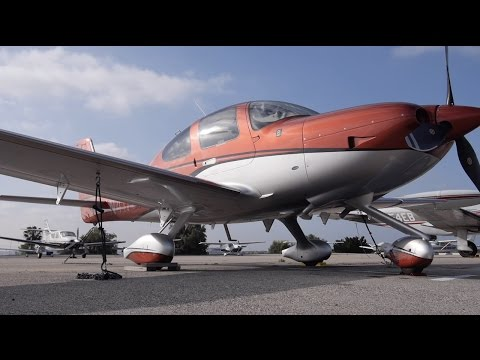 Flying in Some of the World's Busiest Airspace | Santa Monica to Camarillo | Cirrus SR22