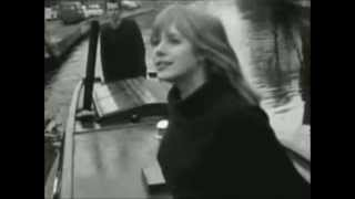 "Marianne Faithfull - ""Paris Bells"" (Live)"