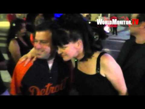NCIS Pauley Perrette signs for fans leaving Teachers Rock charity benefit