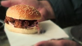 Andy Bates Buttermilk Fried Chicken Burger: Street Food - S01e2/8