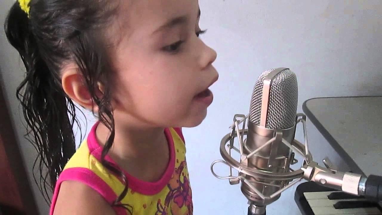 """Download Brilha Brilha Estrelinha Anna Jullia(Cover)""""Galinha Pintadinha"""""""