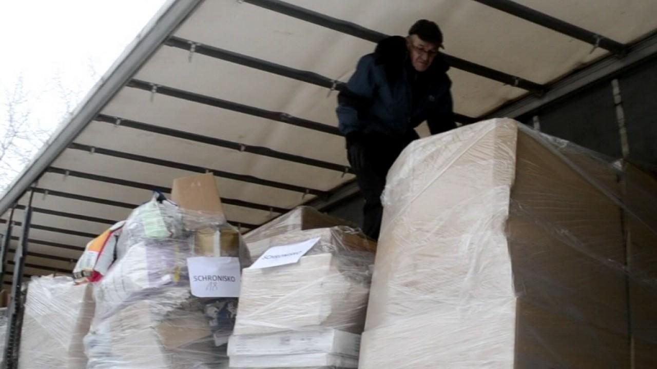 Do schroniska w Radlinie przyjechała ciężarówka z darami