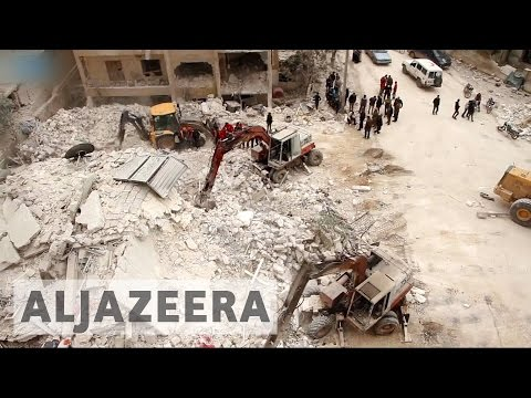 Syria's war: Dozens killed in Idlib air strikes