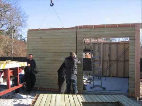 montage d 39 une maison modulaire volutive par les charpentiers de l 39 ain youtube. Black Bedroom Furniture Sets. Home Design Ideas
