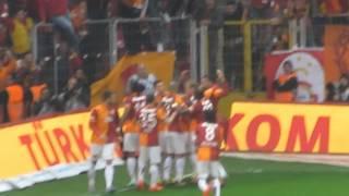 Wesley Sneijder'in Fenerbahçe'ye Attığı Gol (Tribün Çekimi)