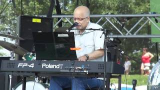 Dan Hill @ Canada Day celebration in Toronto--Never Thought That I Could Love --Live 2011-07-01