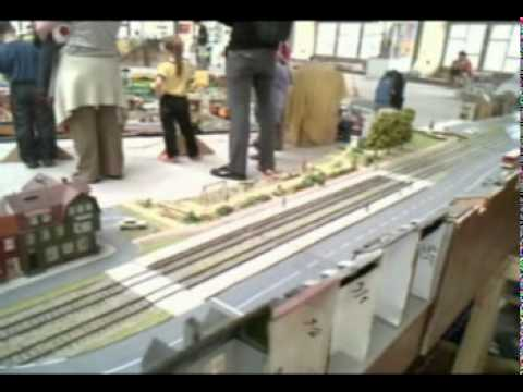 mms2010---webcam1:-h0-tram-+-faller-carsystem-5-(szechenyivme)-(youtubesoundtrack)