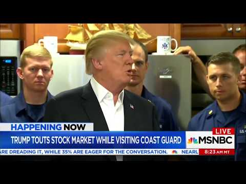 Trump presume de avión invisible ante la Guardia Costera