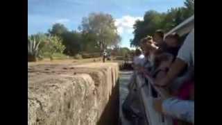 Aragoneses en Francia. Canal de Midi. A cubazos de agua por el gorro