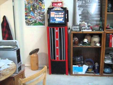 Moose Studios DIY Jukebox - YouTube