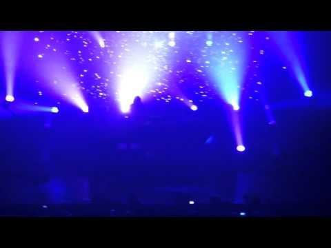 Skrillex - Summit (feat. Ellie Goulding) (Live)