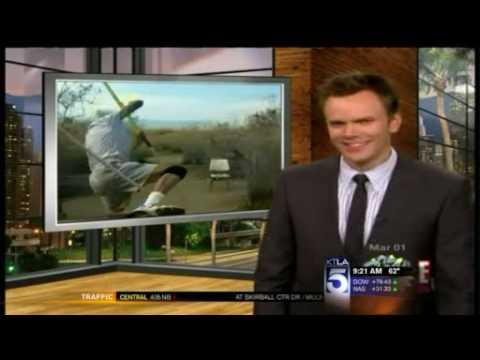 """Download """"The Soup"""" Pokes Fun At KTLA For Airing An Elderly Man's Pole Vault Attempt"""