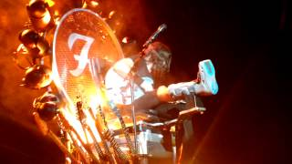 Dave Grohl's Broken Foot Solo