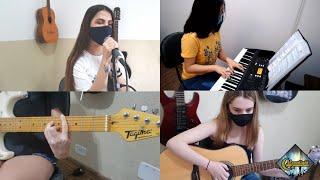Moonlight - Ariana Grande com Alunas da Moonlight