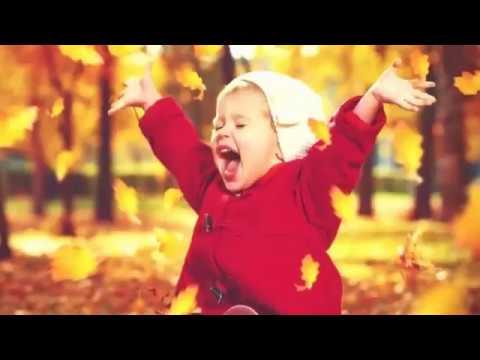 Дети в восторге над распилкой деревьев)))