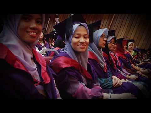 Pemakaian Pakaian Akademik USM