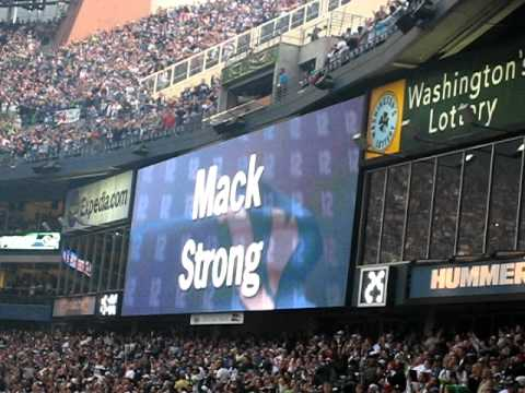 Mack Strong 12th Man Flag