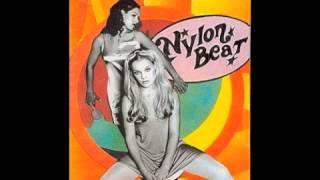 Nylon Beat - Satelliitti irrallaan