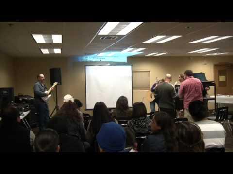 Noche de Alabanzas El Encuentro, Iglesia Saddleback