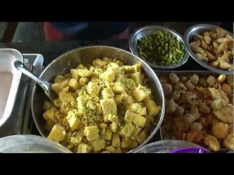 Dhokla in Jagruti Farshan general store shop, Ugat, Navsari, Gujarat, India; 9th May 2012