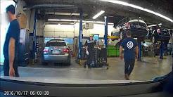 Volkswagen Dealer caught on dashcam