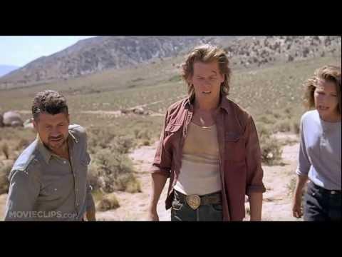 O Ataque dos Vermes Malditos (10-10) - Trecho HD - Legendado