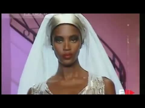 GIANNI VERSACE The last Haute Couture Show 1997 Ritz Hotel Paris by Fashion Channel