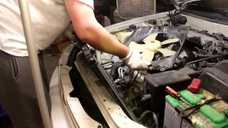 Replacing my Sister's Radiator | 1991-1996 Toyota Camry  [How-to]