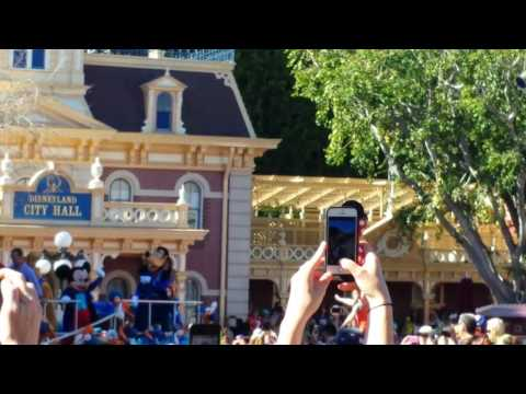 Peyton Manning Superbowl 50 Champ Disneyland Parade!
