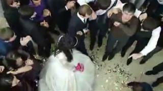 Танец жениха Магомеда и невесты Шарипат