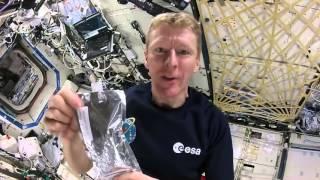 Begini Cara Astronot Nyeduh Kopi di Luar Angkasa