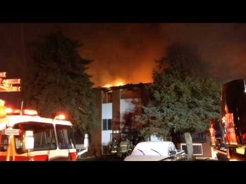 Watch Flint Firefighters battle blaze at Park West Apartments on city's south side
