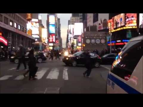 WALK AROUND OF A U.S. HOMELAND SECURITY FEDERAL PROTECTIVE SERVICES POLICE UNIT IN TIMES SQUARE.
