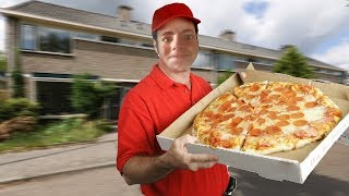 MY SIDE JOB AS A PIZZA DELIVERY BOY! (Roblox Pizza Tycoon)