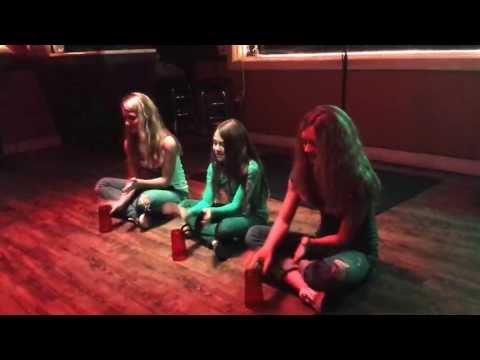 Carlie, Courtney and Emily Rae Shively - Cup Song - Stacy Janes Karaoke. Hampton Beach. 28-Jul-13.