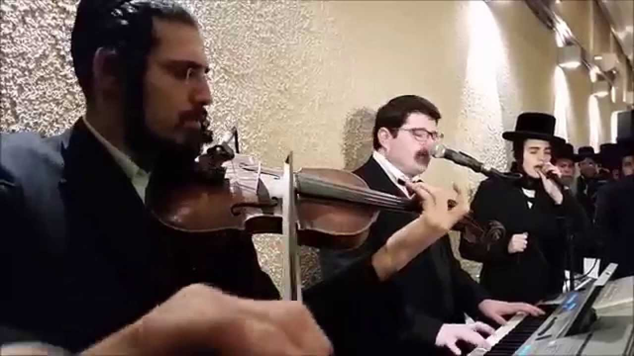 Beautiful Heartwarming Chupah by Motty Steinmetz | מוטי שטיינמץ חופה