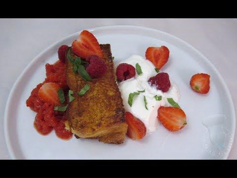 recette-de-brioche-dorée-aux-fruits-rouges