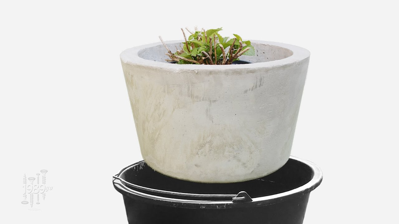 Large Planter Made With 2 Buckets Diy Concrete Youtube