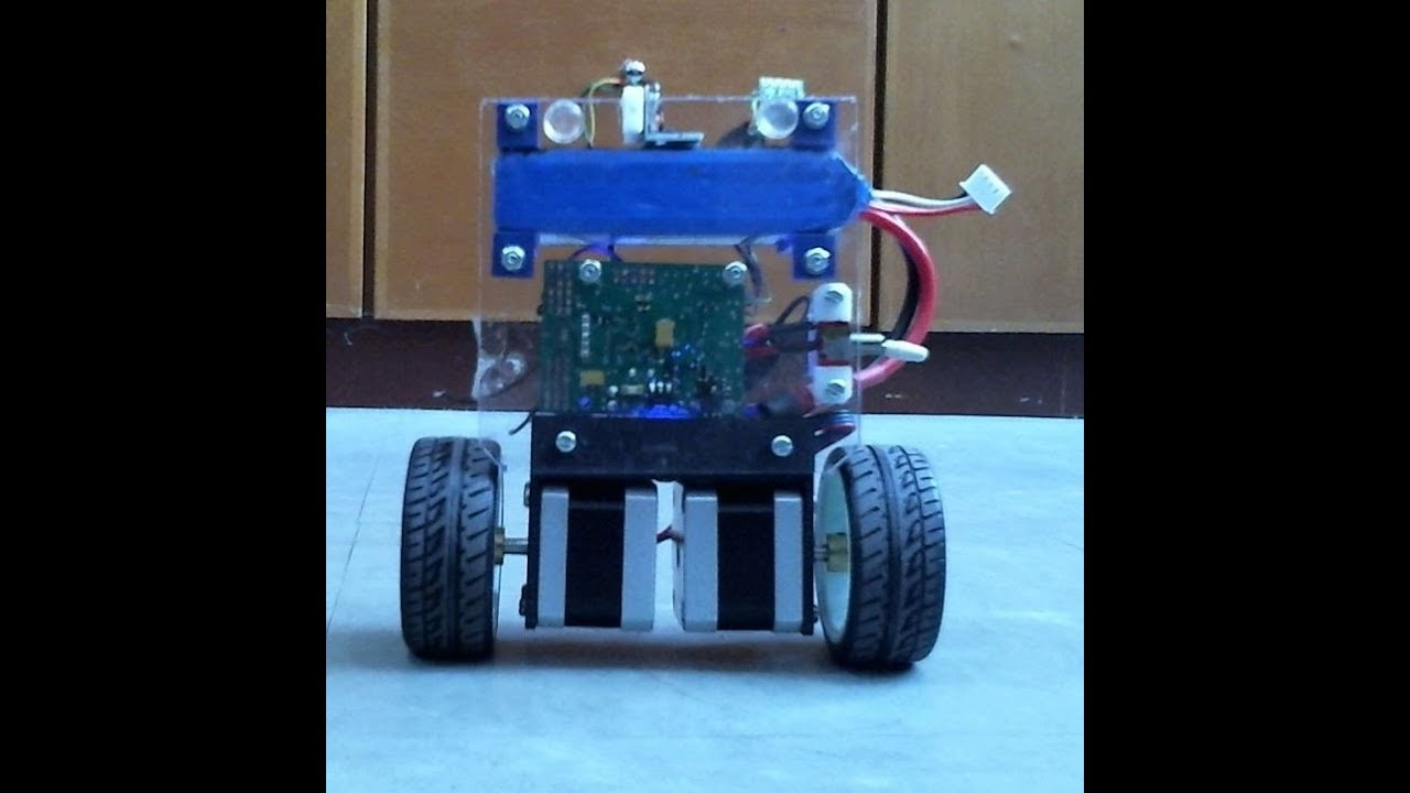 Two Wheels Self Balancing Robot Using Stepper Motors V0 90s