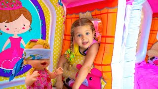 ダイアナと人形との一日- 子供向けのスト