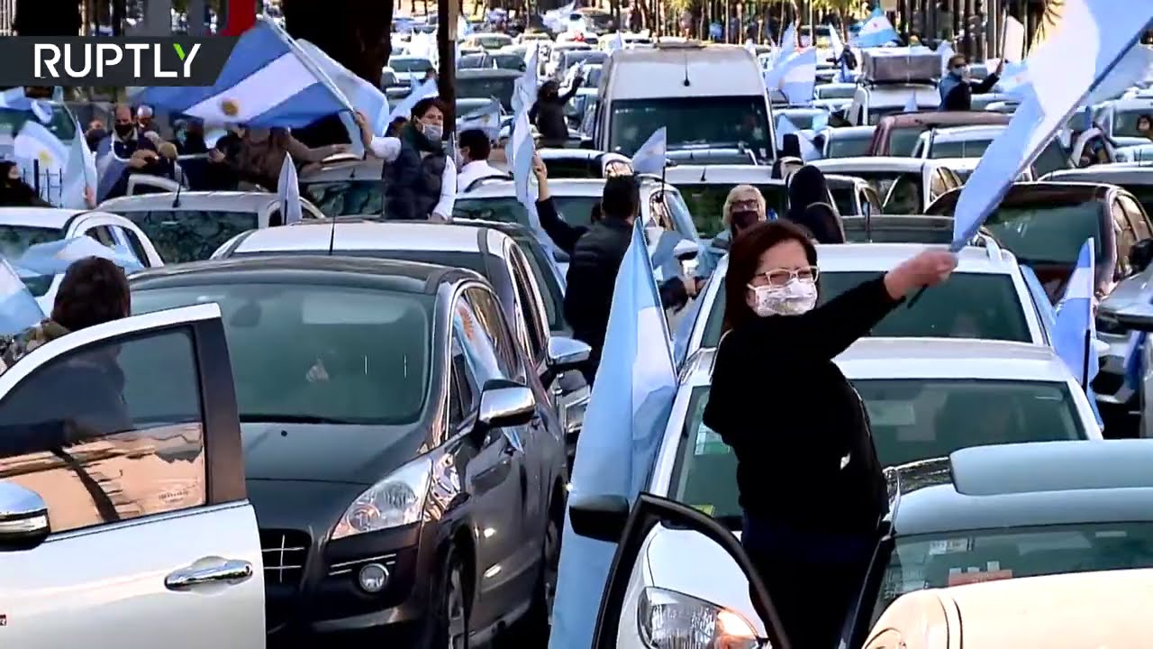 Hundreds take to the streets of Buenos Aires to protest against Alberto Fernandez govt