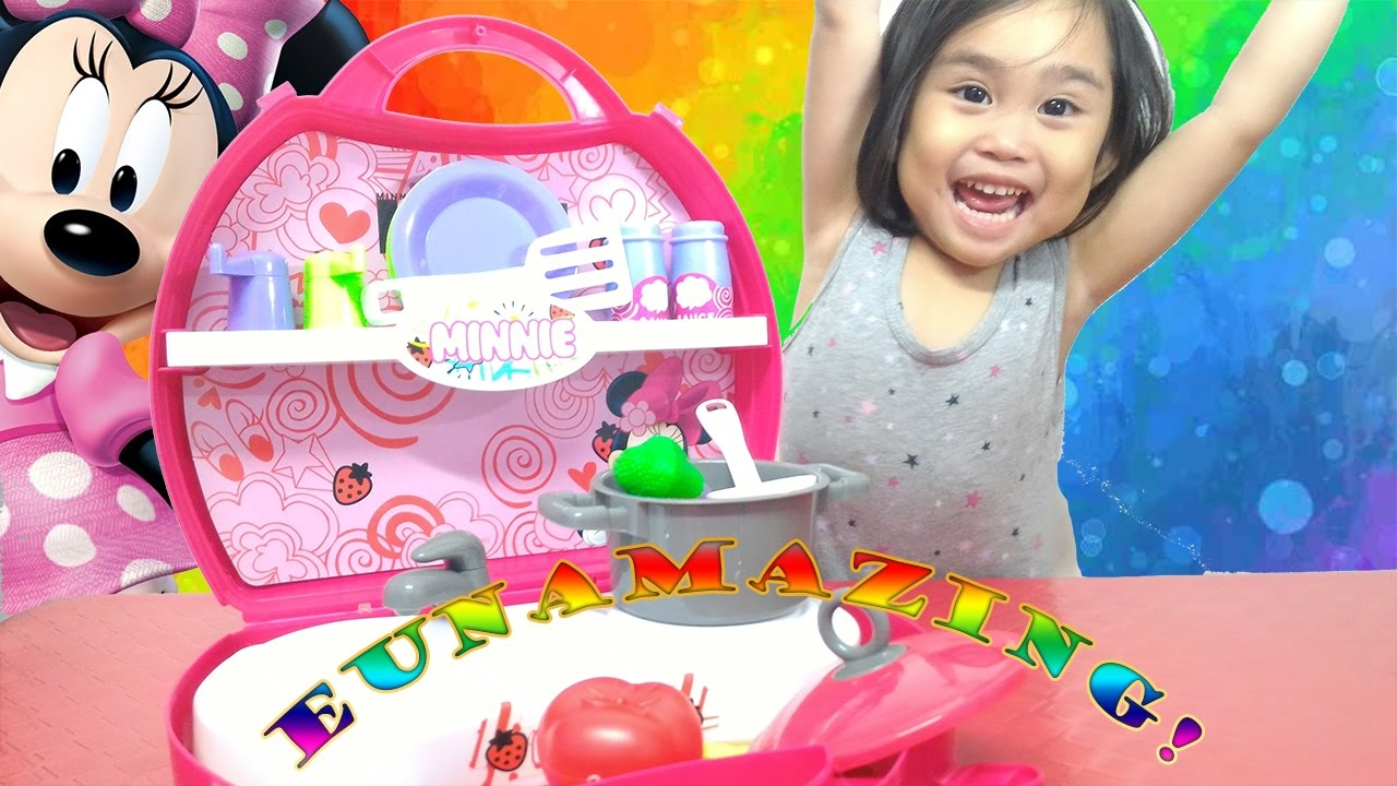 Toys R Us Kitchens Kitchen Cabinets Near Me Unboxing Minnie Mouse Carry On Set From Youtube