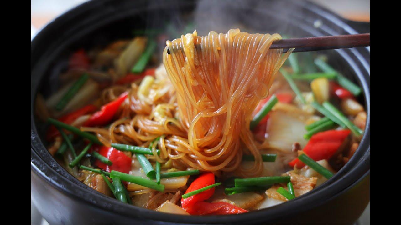 【白菜燉粉條】冬天超愛這樣壹鍋燉,吃完全身暖,天氣越冷越解饞